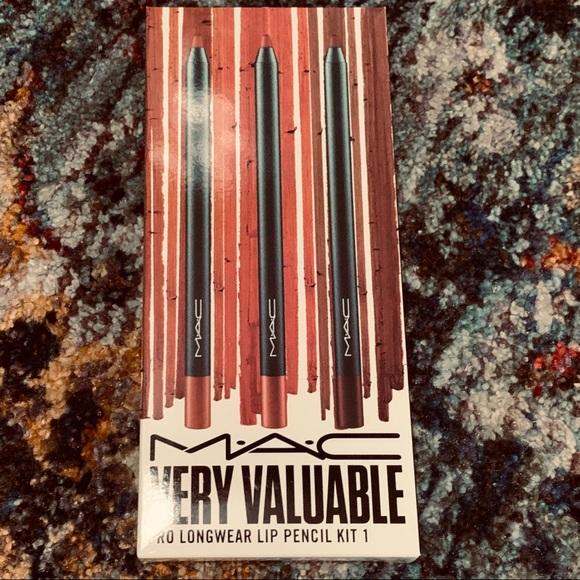MAC Very Valuable Pro Longwear Lip Pencil Kit 1